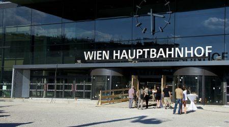kunstbahnhof_wien_eingang_halle_nord_c_sascha_osaka